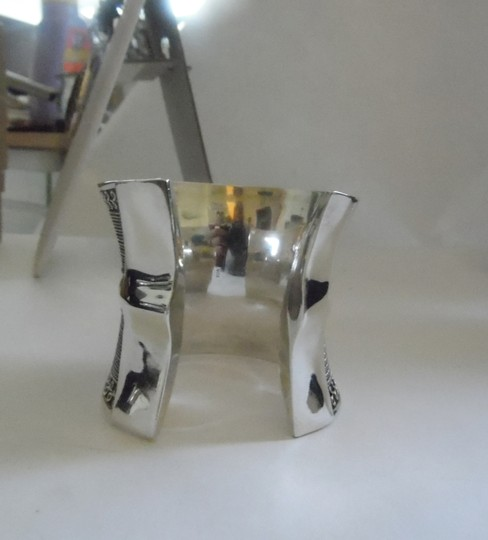Other Artisan Crafted Concave .925 Sterling Silver Bracelet Image 1