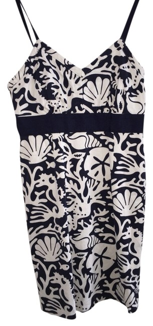 Item - Navy and White Above Knee Cocktail Dress Size 4 (S)