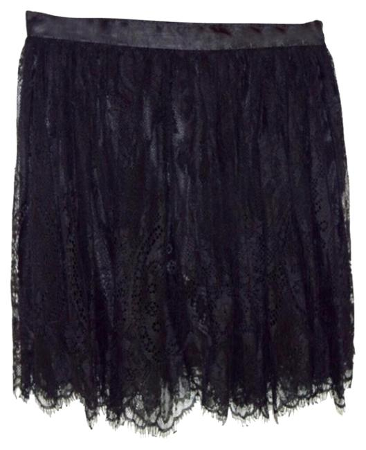 Preload https://img-static.tradesy.com/item/18541771/h-and-m-black-skirt-size-2-xs-26-0-1-650-650.jpg