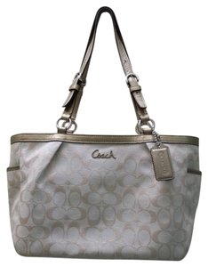 Coach Tote in Beige and Gold Metalic