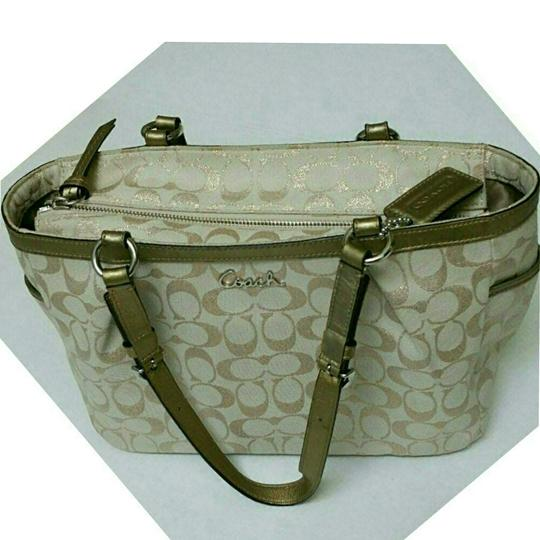 Coach Tote in Gold Metalic