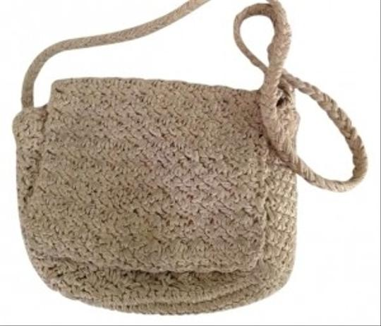 Preload https://img-static.tradesy.com/item/185437/carrie-forbes-crochet-cross-body-bag-0-0-540-540.jpg
