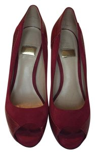 Guess By Marciano Red Pumps