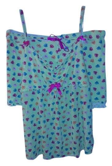 Preload https://img-static.tradesy.com/item/18547897/betseyville-green-w-multi-color-hearts-short-pajama-set-0-1-540-540.jpg