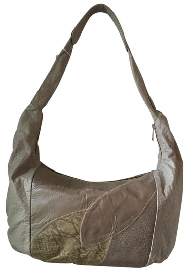 Preload https://img-static.tradesy.com/item/18547918/extra-large-soft-handbag-fully-lined-wbrown-taupe-wbrown-leather-hobo-bag-0-1-540-540.jpg