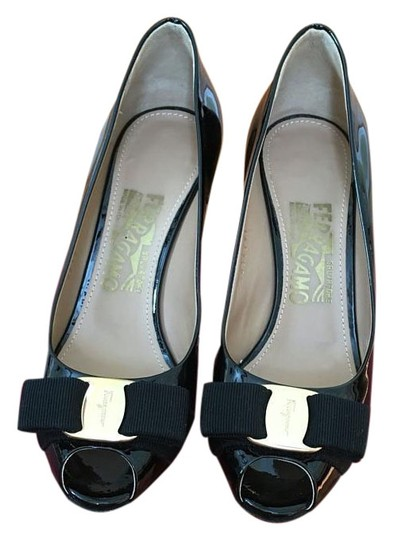Preload https://img-static.tradesy.com/item/18548245/salvatore-ferragamo-black-pola-peep-pumps-size-us-55-regular-m-b-0-1-540-540.jpg