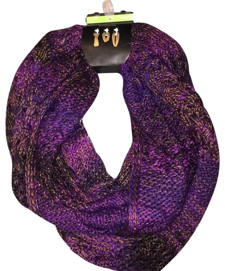 NWT Infinity Scarf Infinity Scarf Image 0