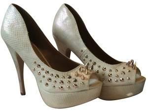 ShoeDazzle Studded Spike Gold Hardware White, iridescent Pumps