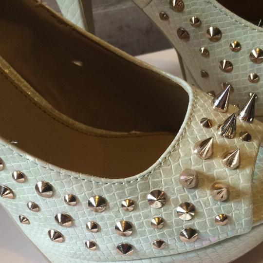 ShoeDazzle Studded Spike Gold Hardware Snakeskin Stiletto Peep Toe Platform Cat In Heels White, iridescent Pumps