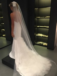 Vera Wang Ivory Jocelyn Traditional Wedding Dress Size 4 (S)
