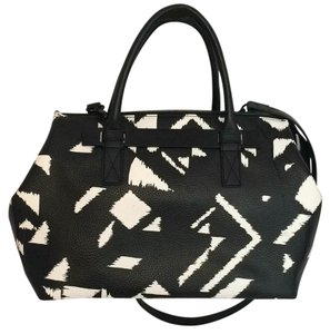 Vince Camuto Satchel in Black/White