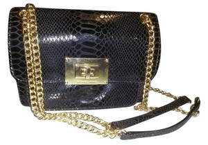 Michael Kors Wristlet Shoulder Chanel Cross Body Bag