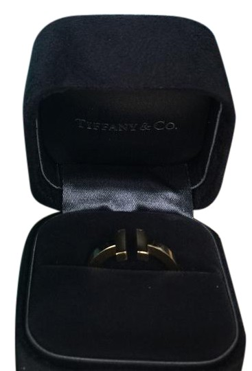 Preload https://img-static.tradesy.com/item/18554857/tiffany-and-co-gold-square-in-18k-with-box-bag-ring-0-2-540-540.jpg