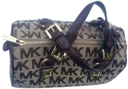 Preload https://img-static.tradesy.com/item/18556960/michael-kors-medium-bgebmocha-jacquard-satchel-0-8-540-540.jpg