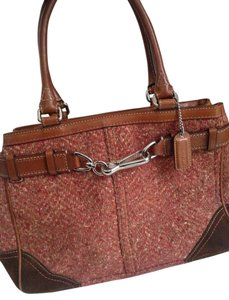Coach Satchel in Salmon/brown