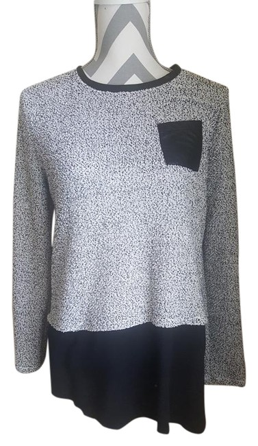 Preload https://img-static.tradesy.com/item/18560185/style-and-co-black-and-white-long-dotted-sweater-sweatshirthoodie-size-6-s-0-1-650-650.jpg