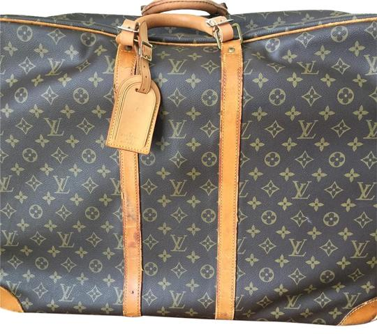 Preload https://img-static.tradesy.com/item/18564055/louis-vuitton-sirius-55-lv-monogram-canvas-with-leather-weekendtravel-bag-0-1-540-540.jpg