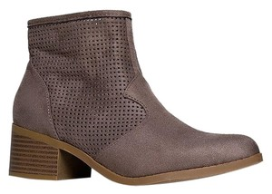 City Classified Closed-toe Delicious Weezietaupeisu-7.5 Gray Boots