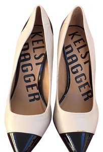 Kelsi Dagger Pumps