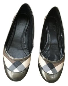 Burberry Neutral/Metallic Flats