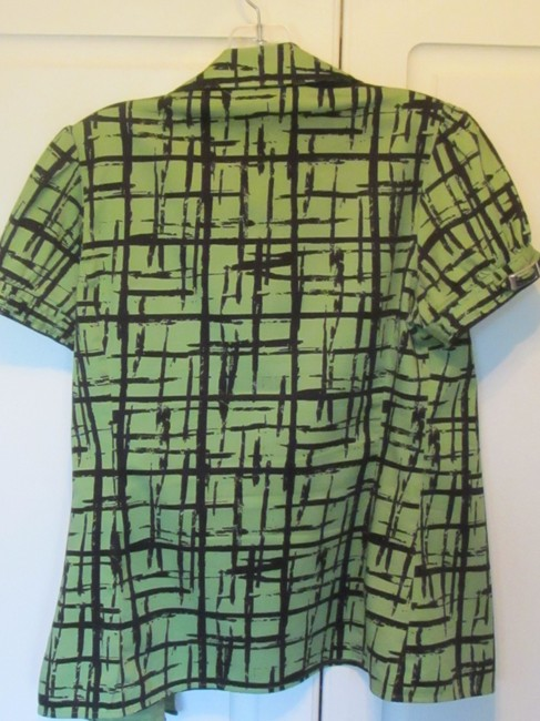 Apt. 9 Top green with black print