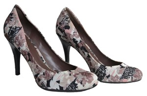 Jessica Simpson Floral Multi Pumps