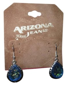 Arizona Jean Company NWT/Arizona Jean Company earrings. Crystal blue, silver color.