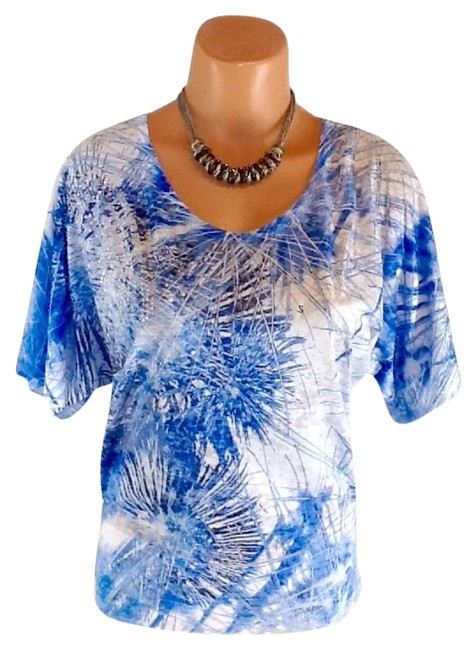 Preload https://img-static.tradesy.com/item/1858493/maurices-blue-blouse-size-6-s-0-0-650-650.jpg