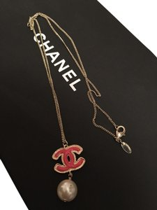Chanel Chanel Coral Pink Gold Color CC Pearl Necklace