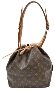 Louis Vuitton Bucket Lv Monogram Leather Shoulder Bag