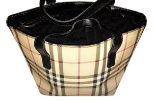Burberry Tote in Traditional pattern