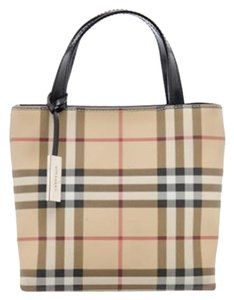 Burberry Tote in Beige