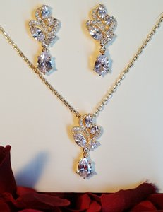 Bridal Gold Plated Pierced Tear Drop Necklace Set