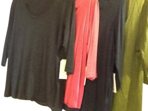Eileen Fisher Top olive navy and graphite (dark grey)Raspberry pink