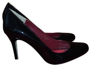 Max Studio Black patent Pumps