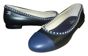 Chanel Leather Pearl Black/Navy Flats