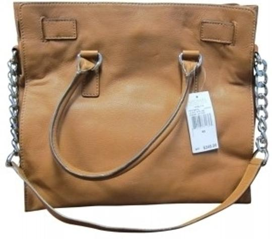 Preload https://img-static.tradesy.com/item/18598/michael-michael-kors-hamilton-light-brown-leather-tote-0-0-540-540.jpg
