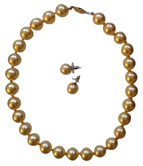 Other Elegant pearl necklace+earrings