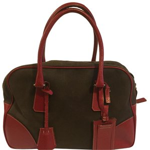9affb7d8e76b Prada Bowler Bags - Up to 70% off at Tradesy