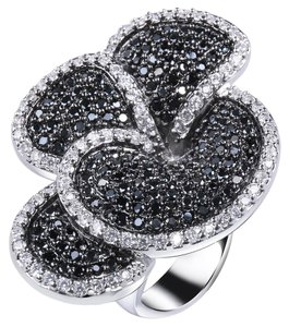 Other Four Petals Flower Cubic Zirconia Ring [SHIPS NEXT DAY]