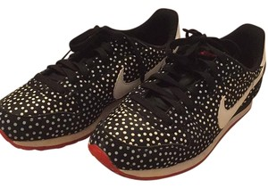 Nike Black with white polka dots Athletic