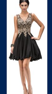Black Sleeveless Embroidered Bodice Short Party Dress