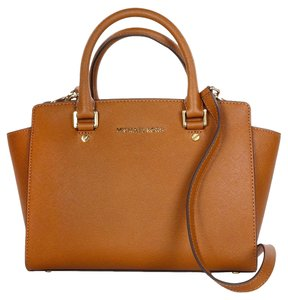 Michael Kors Leather Medium Purse Satchel in Luggage