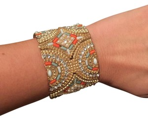 Francesca's Gold stretchy sparkle bracelet