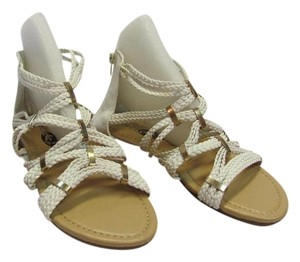 Rue 21 New Size 6.00-7.00 Excellent Condition White Sandals