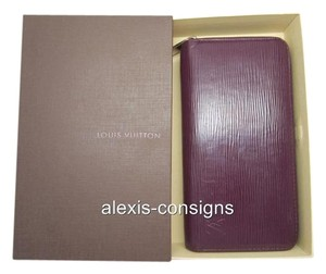 Louis Vuitton purple Clutch