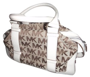 Michael Kors Satchel in Cream / Monogram brown
