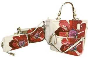 Coach Poppy Flower Floral Applique Set Tote in White