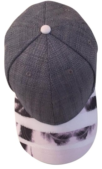 Preload https://img-static.tradesy.com/item/18624178/lululemon-grey-pink-multi-trucker-hat-0-1-540-540.jpg