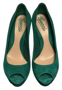 Gucci Green Pumps